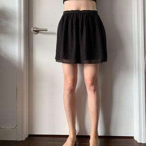 Elastic waist black mini skirt